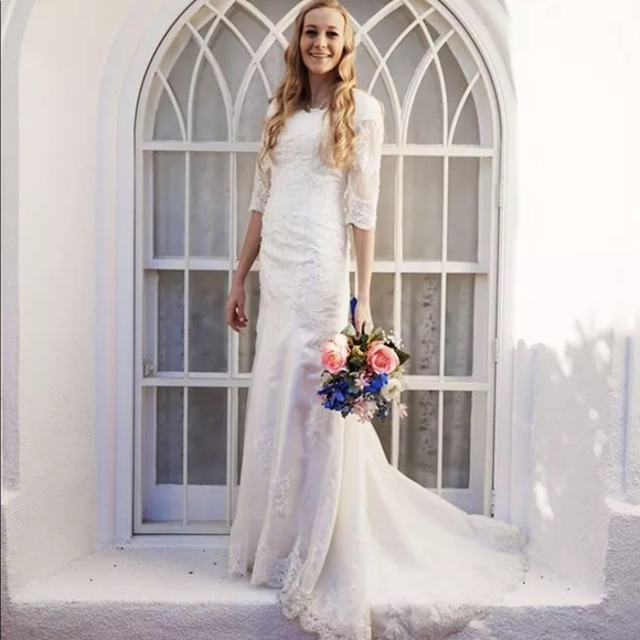 be1ae3c621f97 Custom made Modest Wedding Dress lace w/ sleeves Boutique